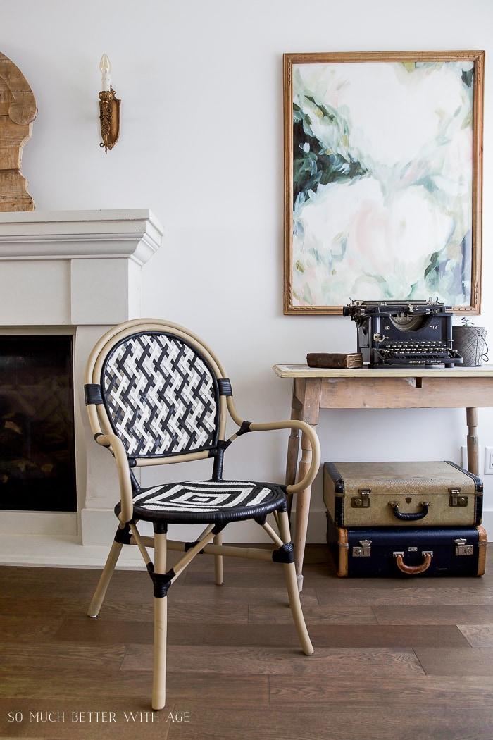 black-white-french-bistro-chair-diy