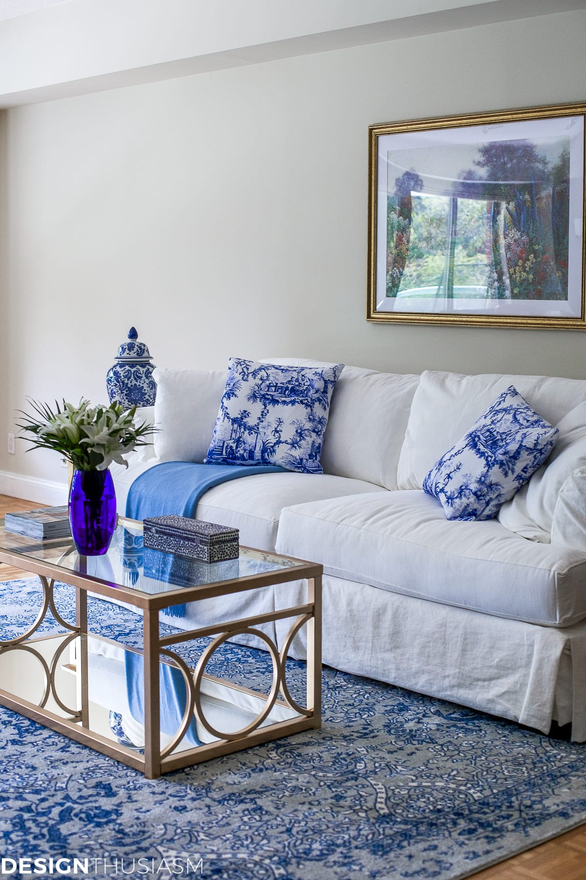 Blue and White Decor | Maintaining Your Style and Downsizing Your Home - designthusiasm