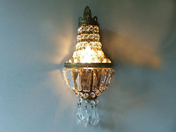 French Gilded bronze and crystal sconce
