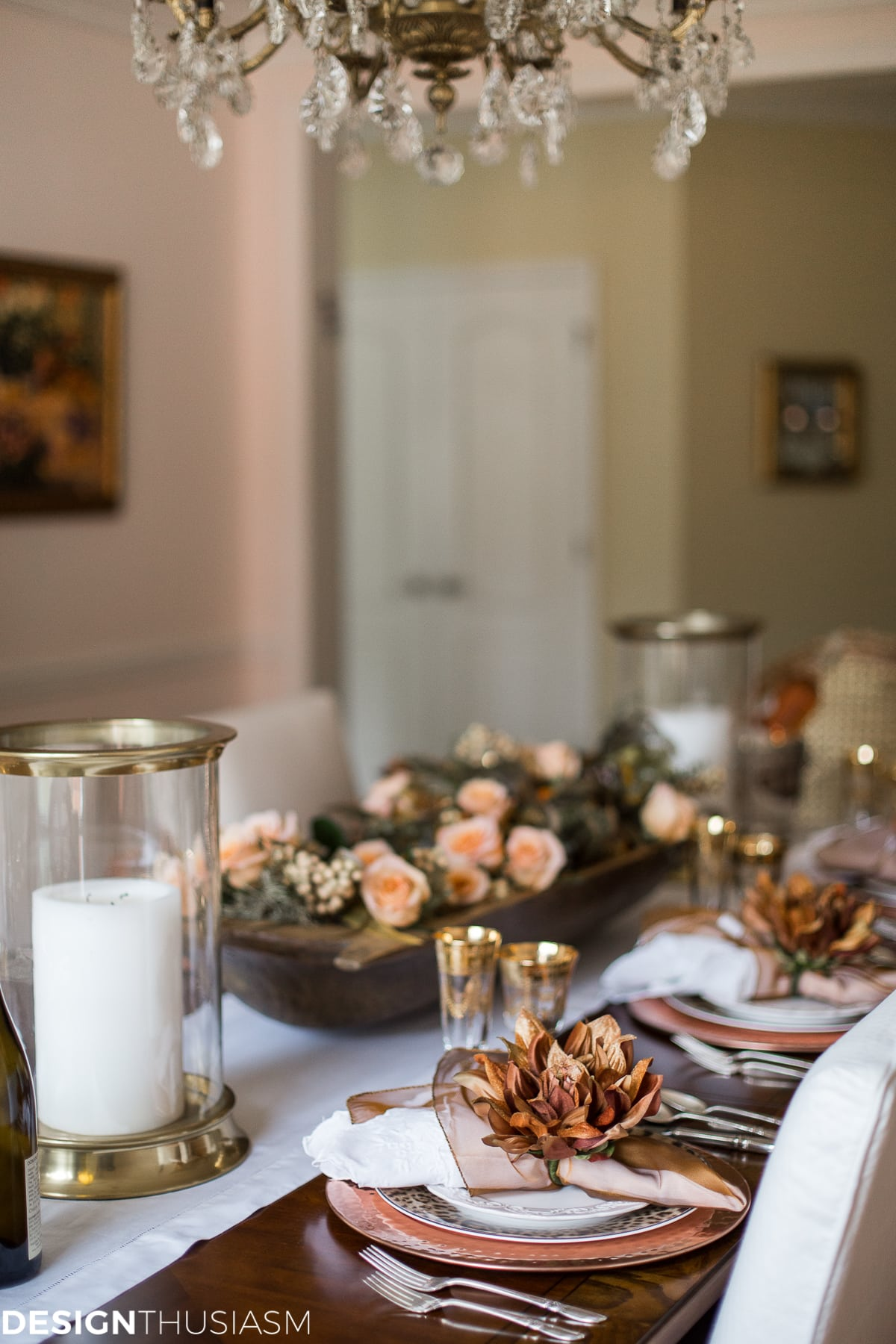 Using Fall Door Decorations To Dress Up Your Thanksgiving Table