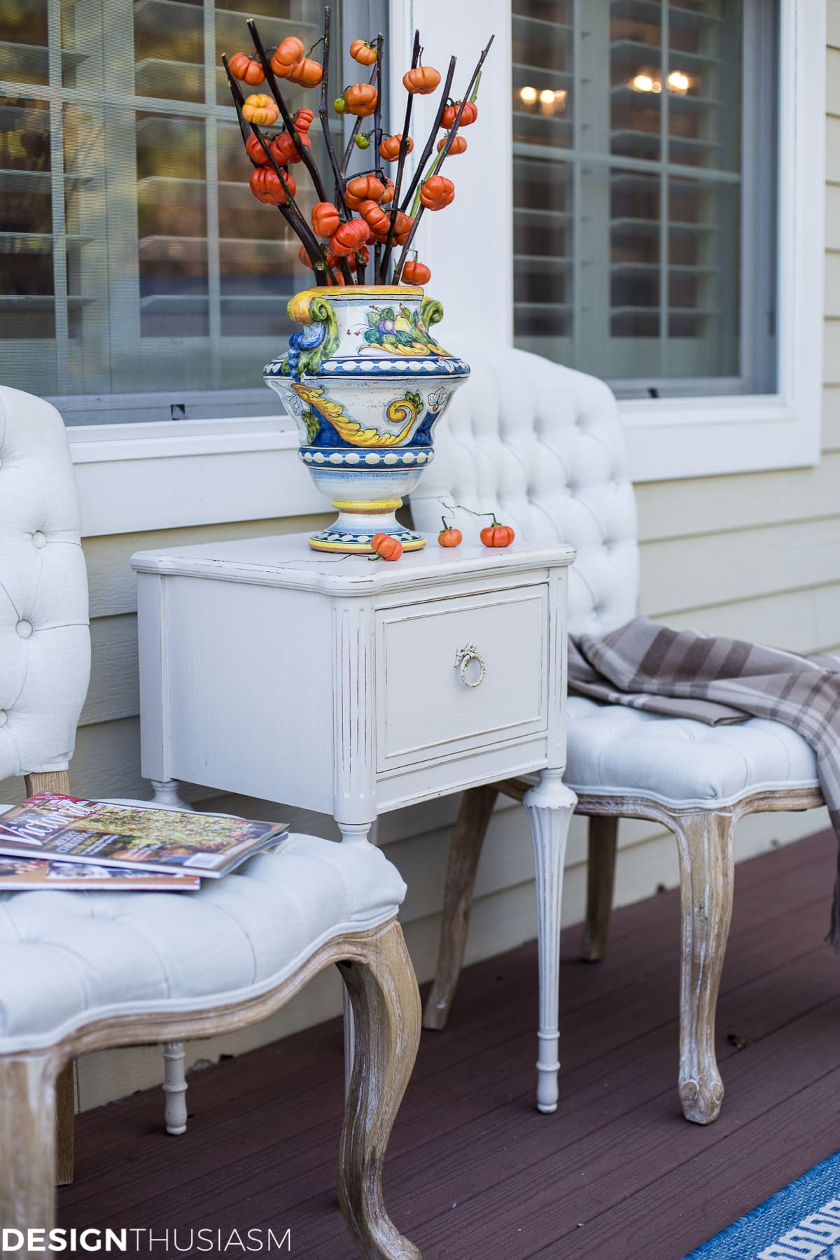 Outdoor fall decorating ideas - designthusiasm.com