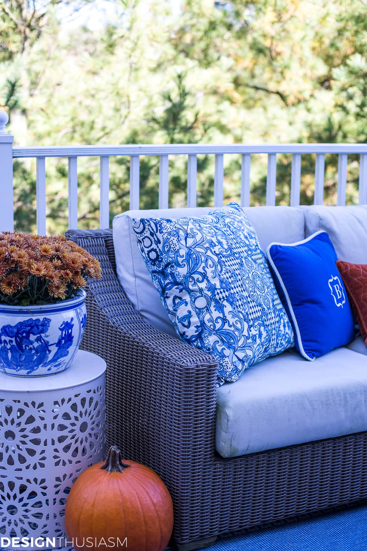 Outdoor Fall Decorating Ideas Serving Hors D Oeuvres On The Patio