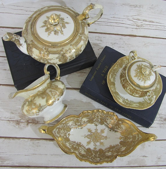 Hand Painted Gilt Moriage Set