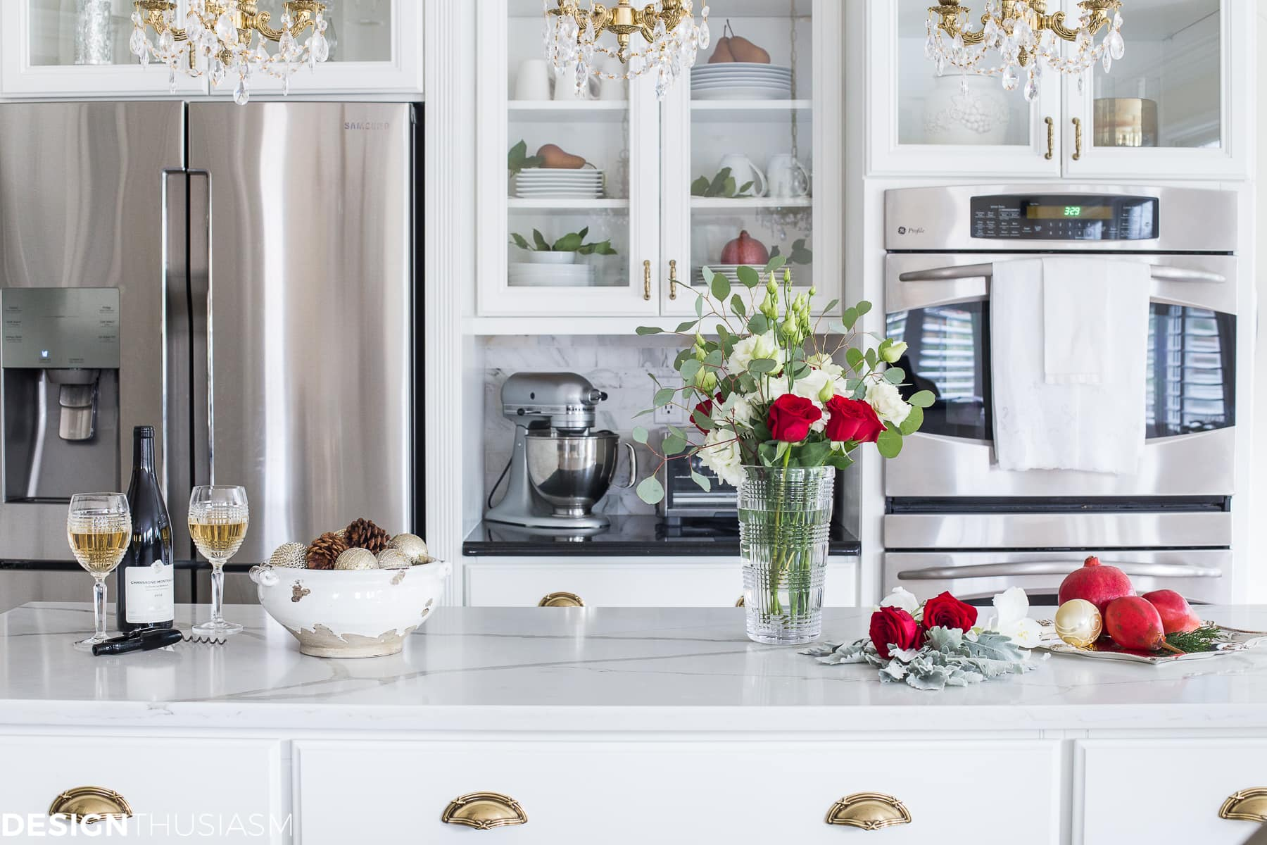 French Country Christmas kitchen decor - designthusiasm.com