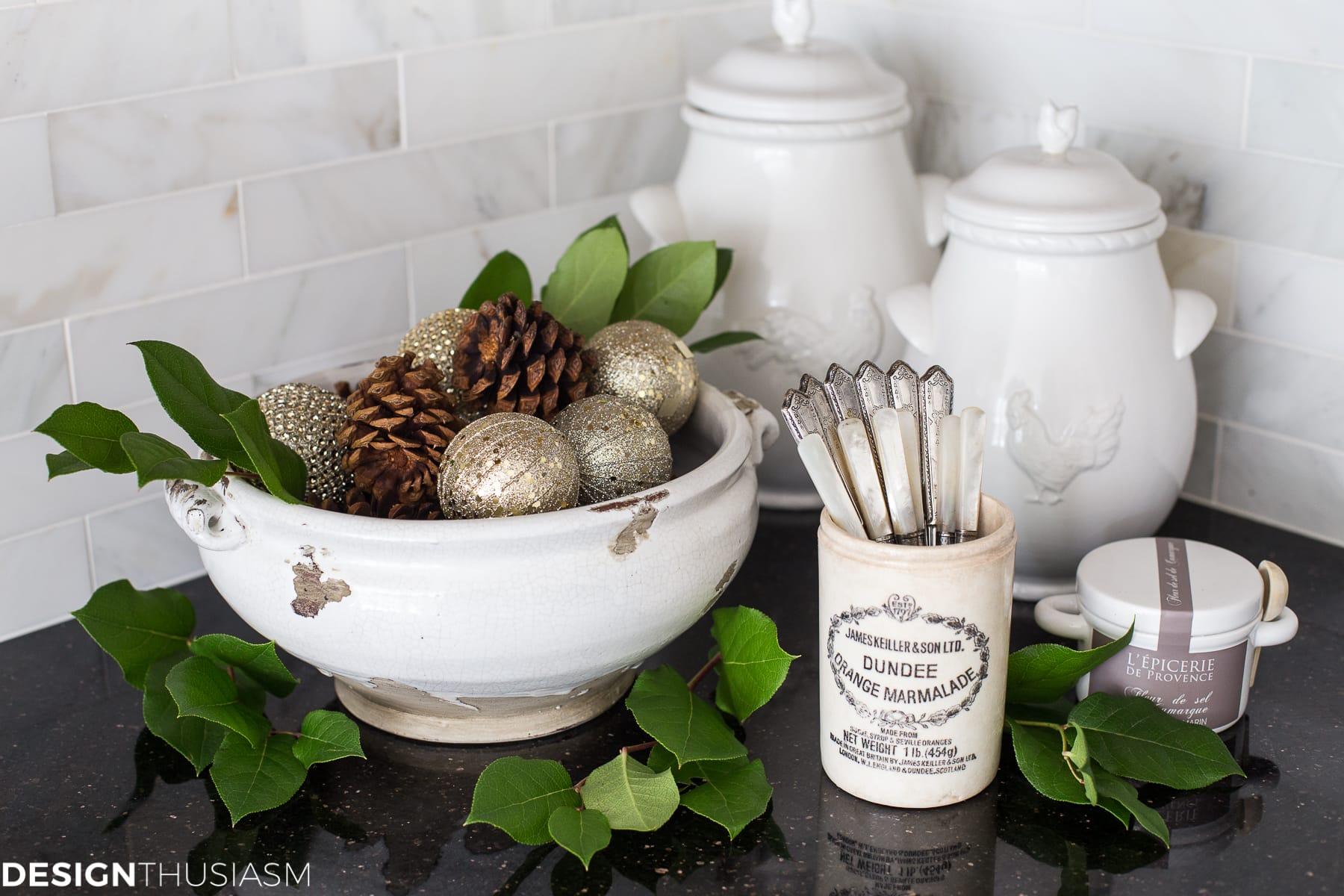 French Country Christmas kitchen decor - designthusiasm.com
