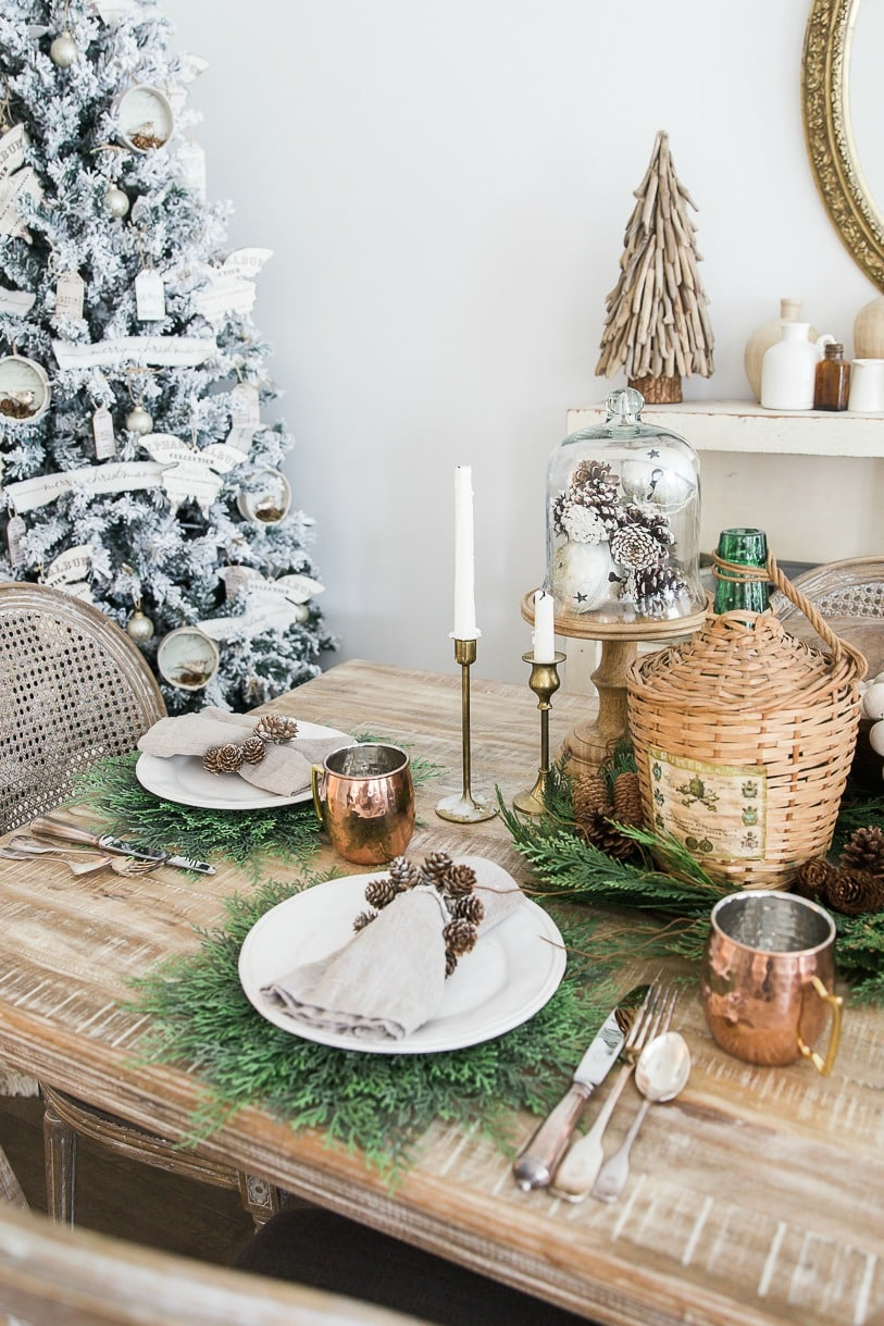 christmas-dining-room-somuchbetterwithage