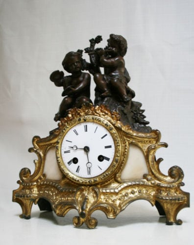 ANTIQUE 1860 FRENCH CLOCK CHERUBS MAKING MUSIC ROMANTIC ALABASTER
