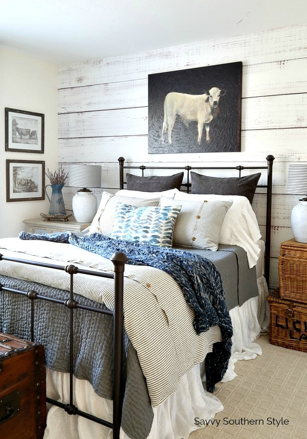 Farmhouse Style Winter Guest Bedroom and Decorating Tips