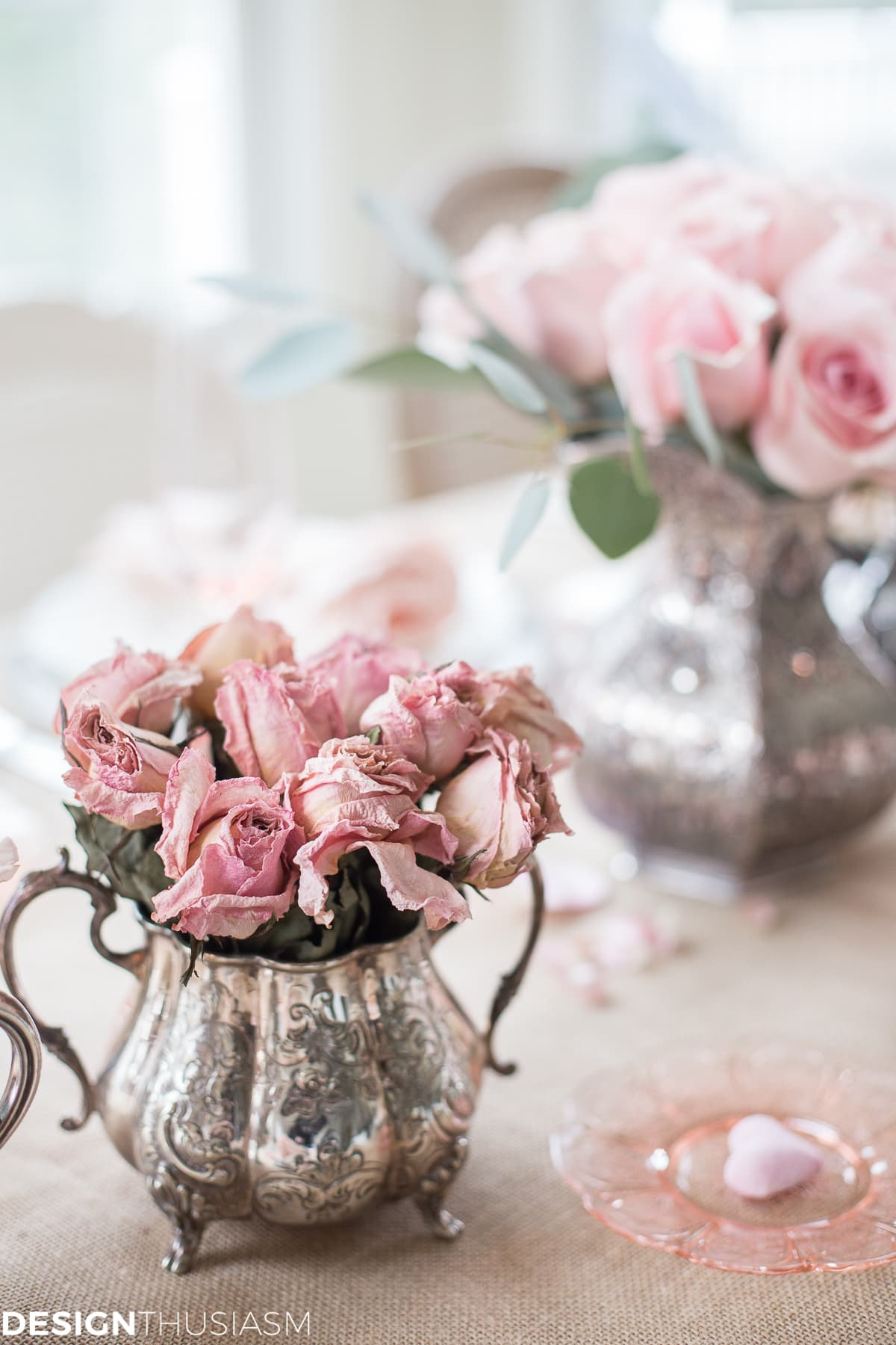 How to Add Rustic Romance to Your Valentine\'s Day Table Setting