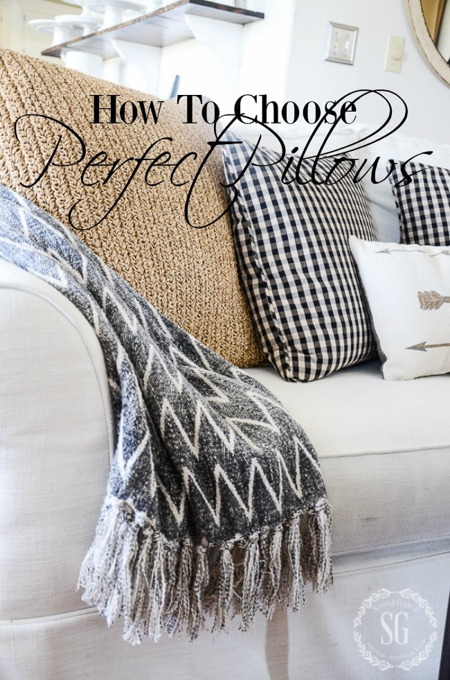 FARMHOUSE-VIGNETTE-gray-throw-stonegableblog