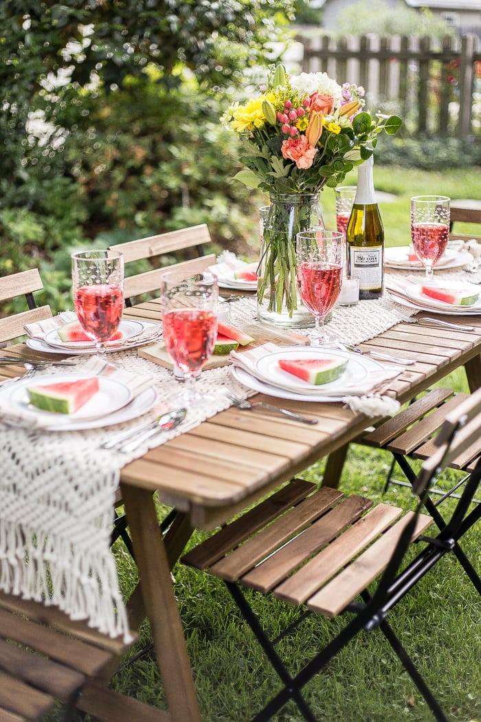backyard barbecue tablescape