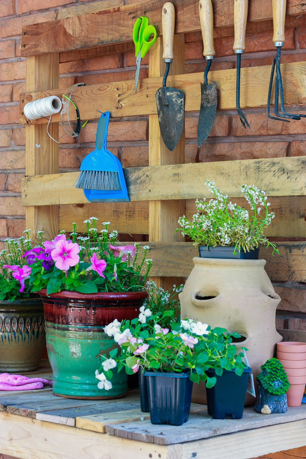 DIY POTTING BENCH - Amber Oliver