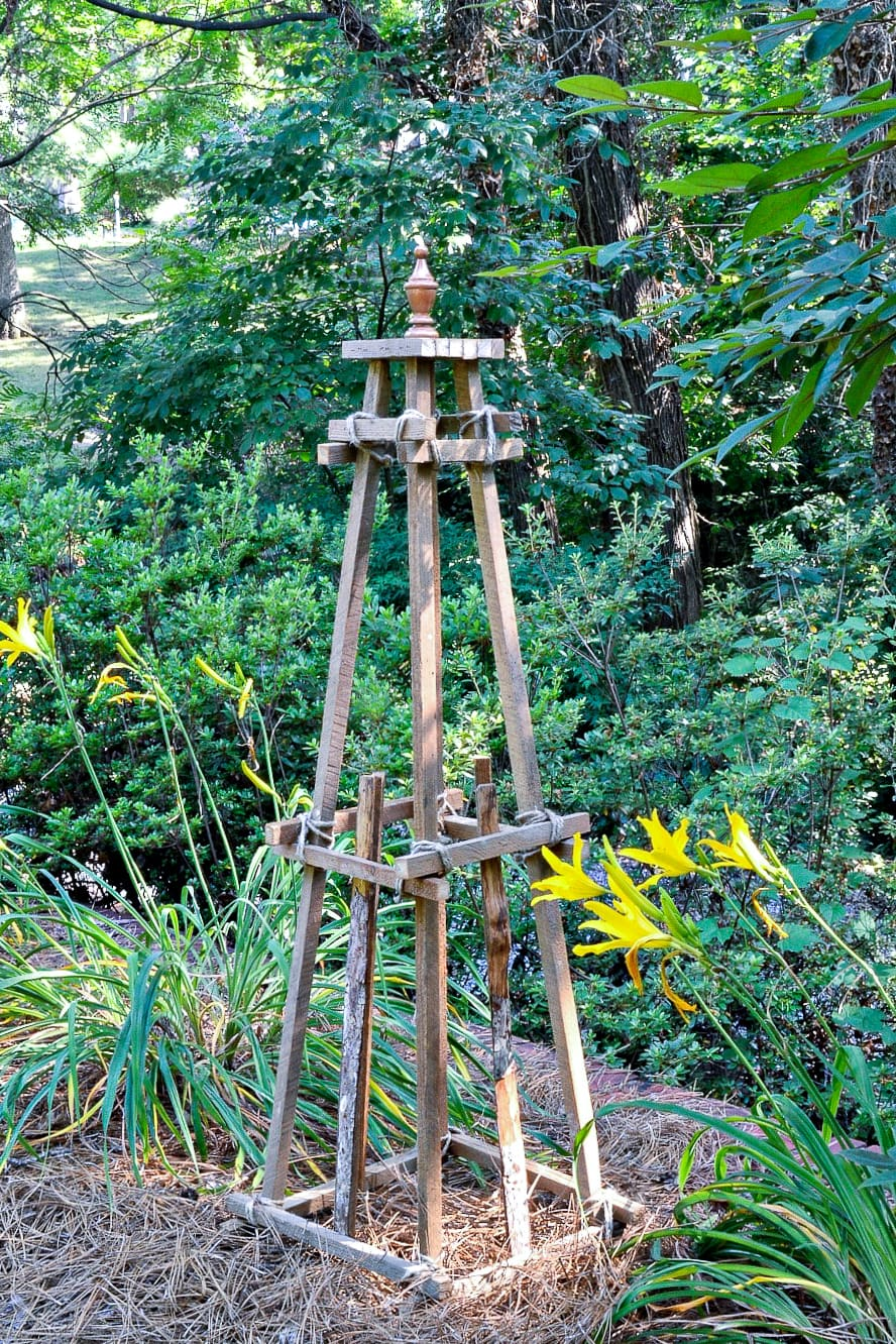 DIY WOODEN GARDEN OBELISK - Chatfield Court