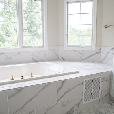 Using Bathroom Tiles to Transform a Builder's Grade Master Bath