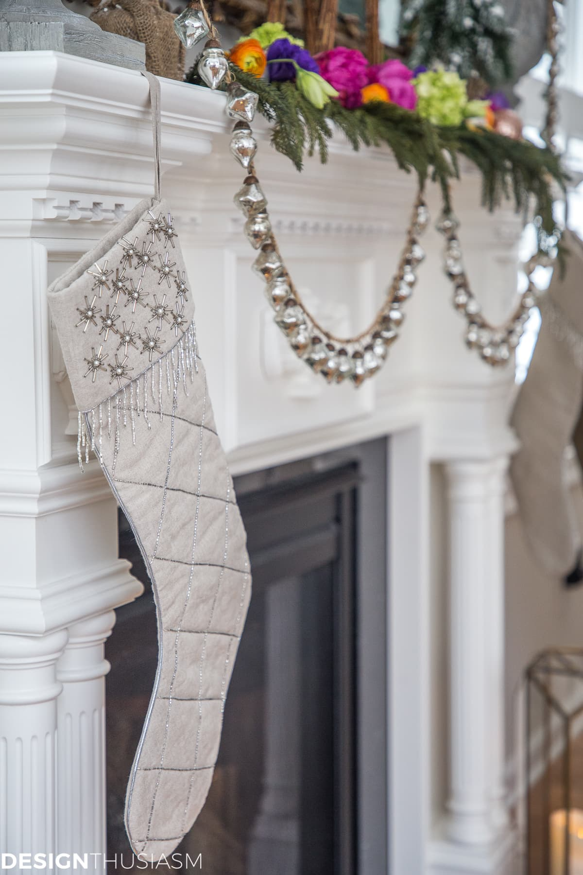 Christmas Mantel Ideas: Classic Decorating with a Twist