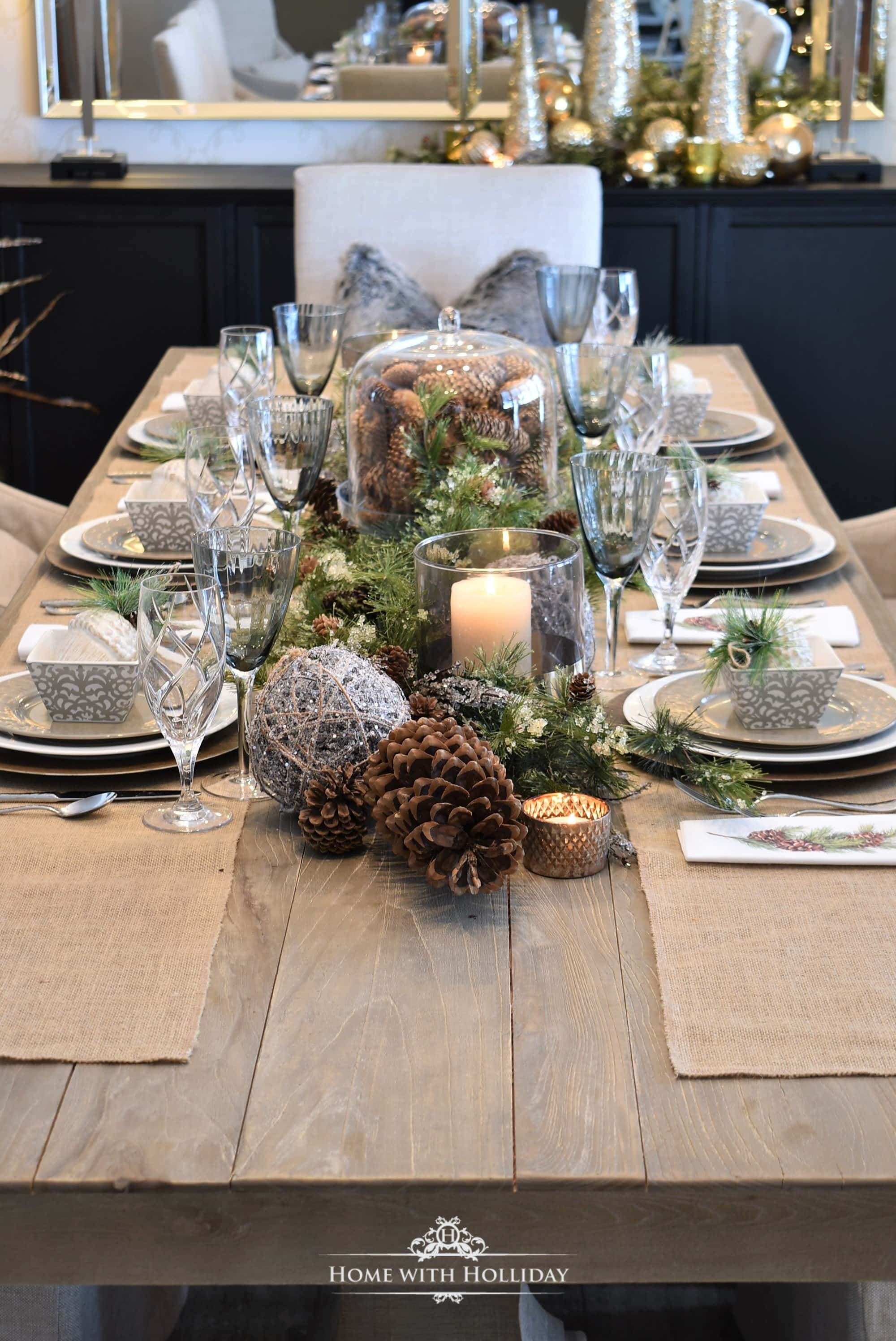 Woodland-and-Pine-Cone-Christmas-Table-Setting