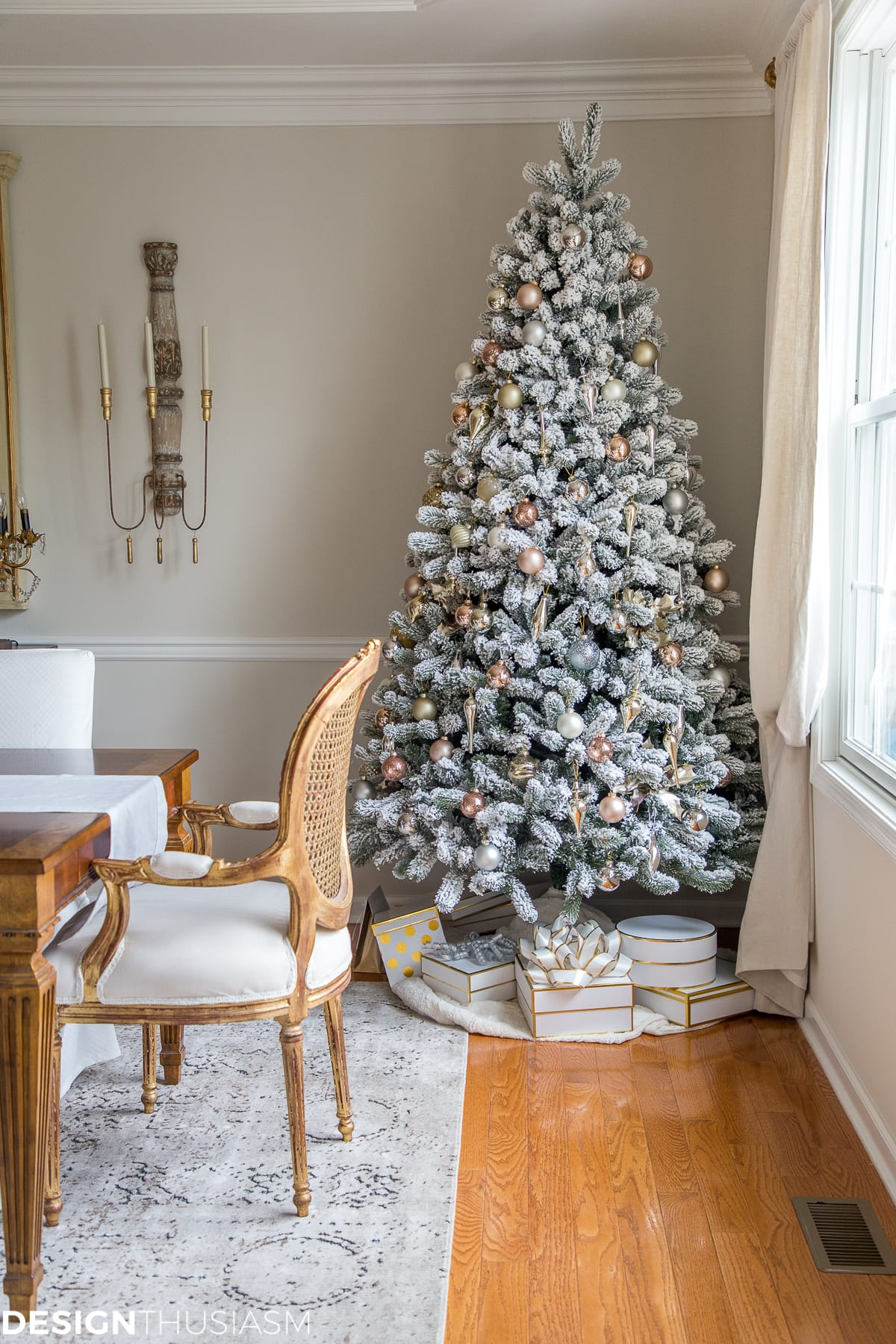Elegant Holiday Decorating Ideas for the Dining Room
