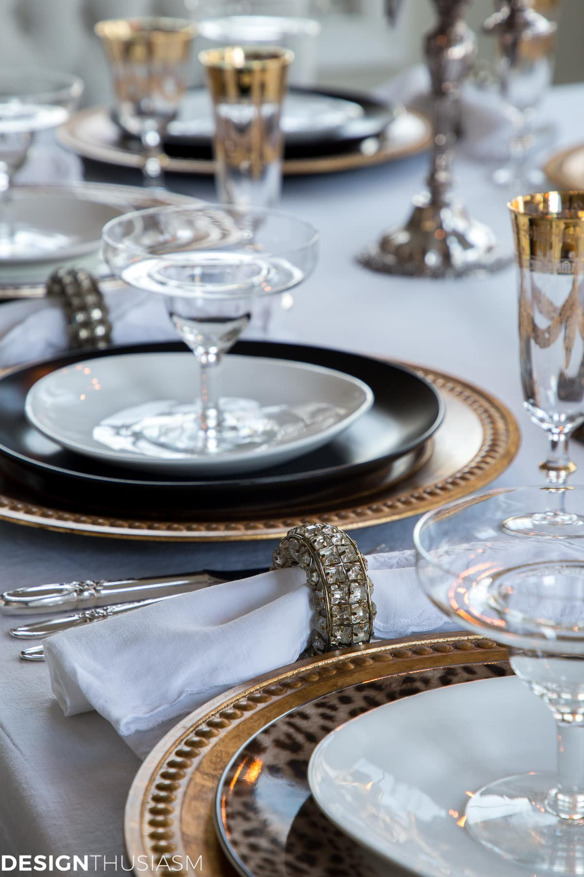 6 Easy Steps to a Fabulous Table for a New Years Eve Party