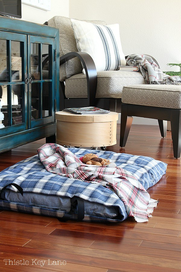 no-sew-dog-bed-cover-plaid-thistlekeylane