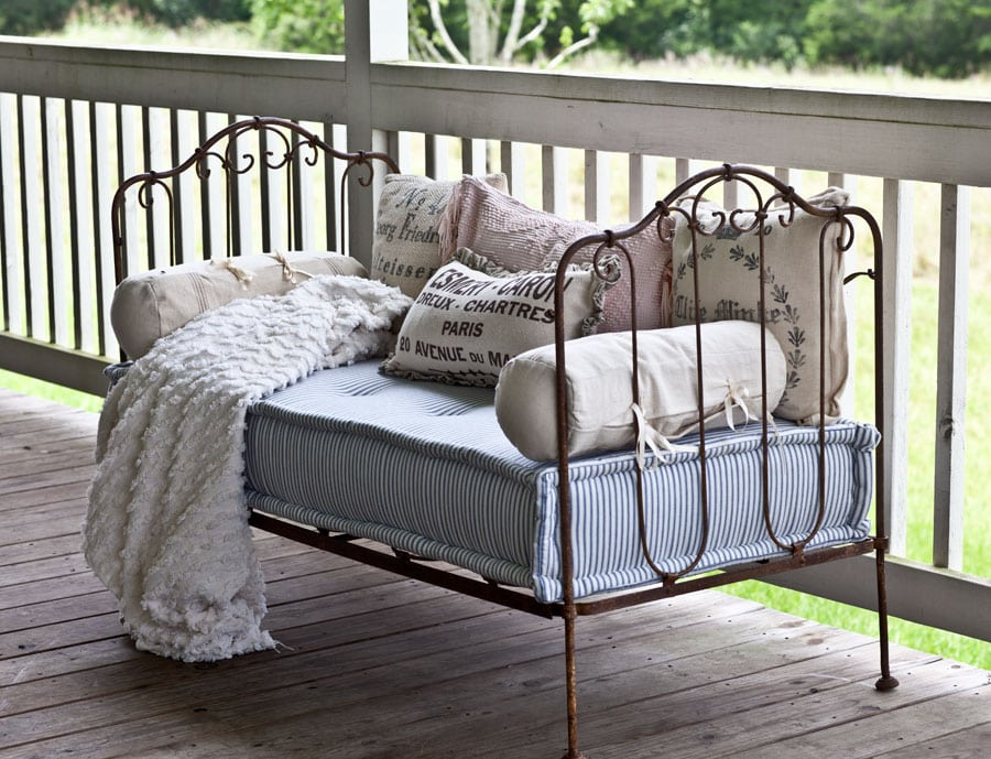 French-iron-daybed