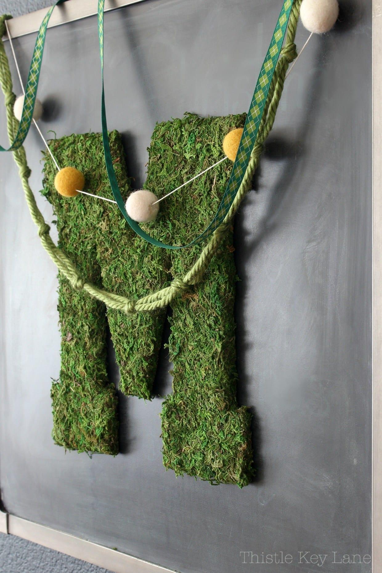 moss-letter-diy-chalkboard-garlands