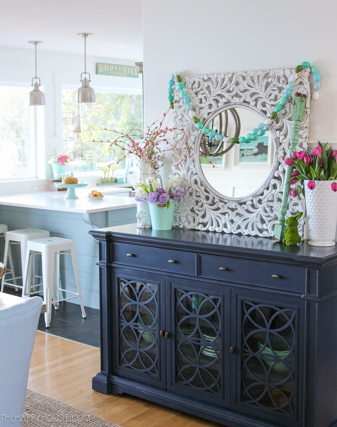 simple-and-colourful-spring-dining-room-decor
