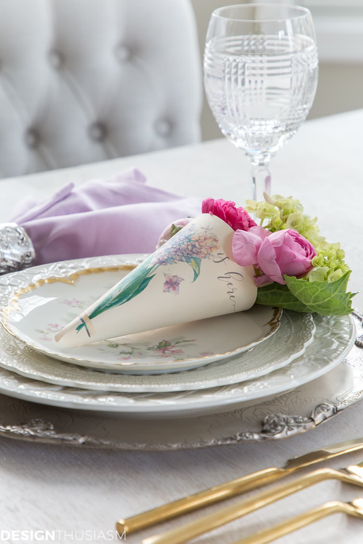 paper cone posy in a table setting