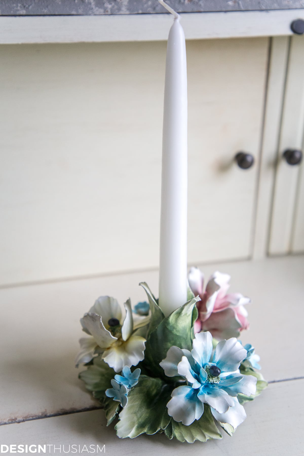 Designthusiasm vintage giveaway floral candle holder