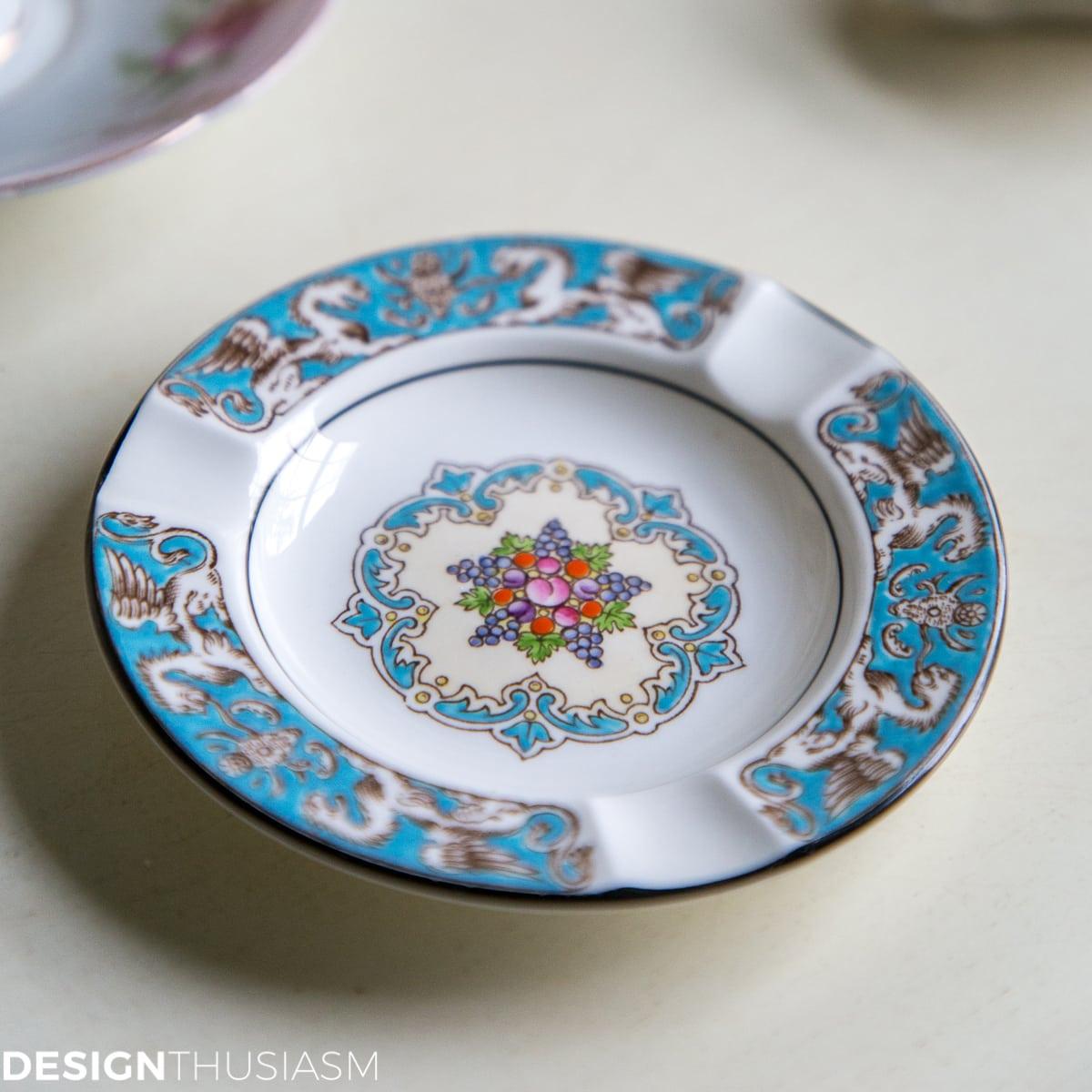 Designthusiasm vintage giveaway Wedgewood ashtray