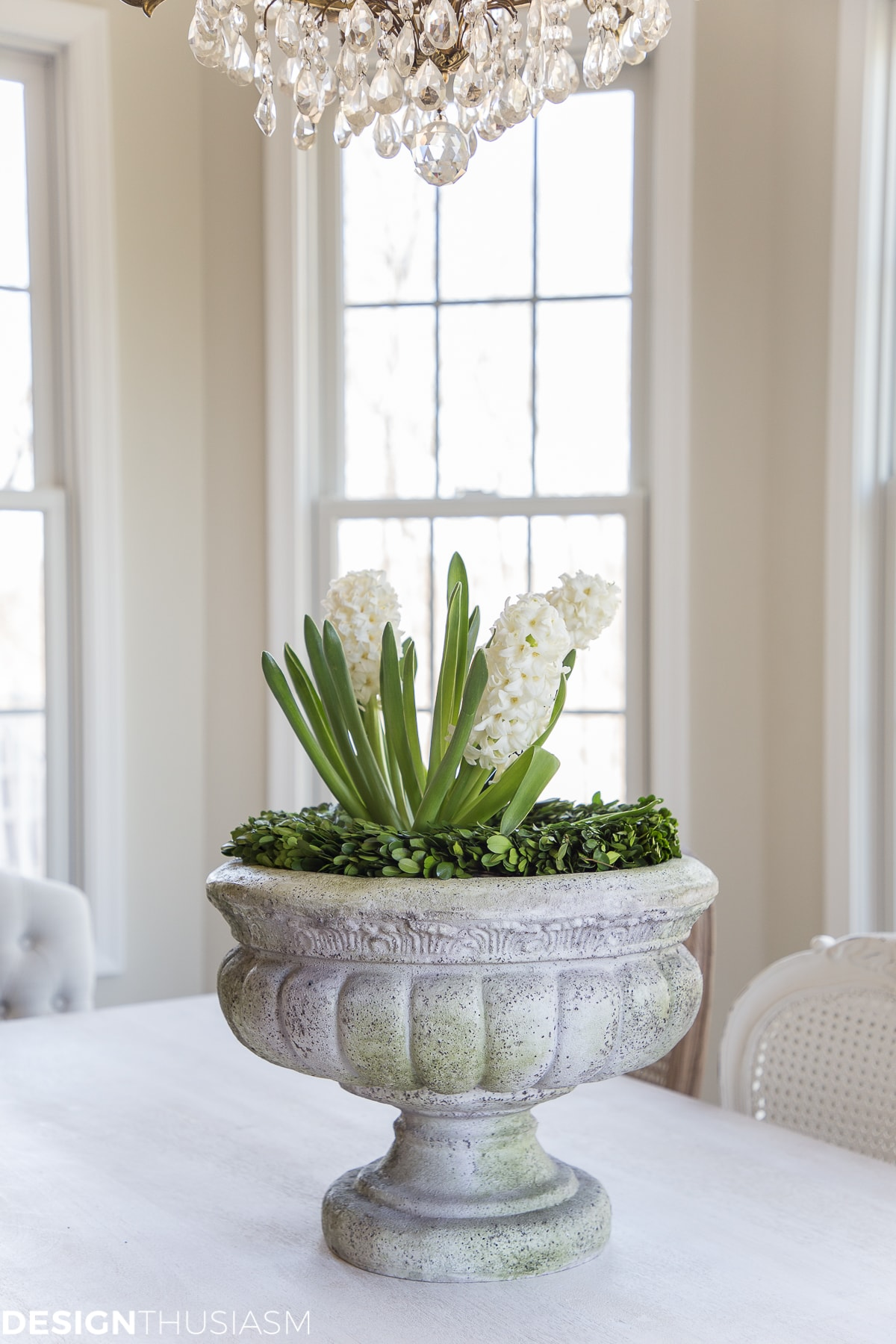 easy Easter centerpieces with hyacinths in planter