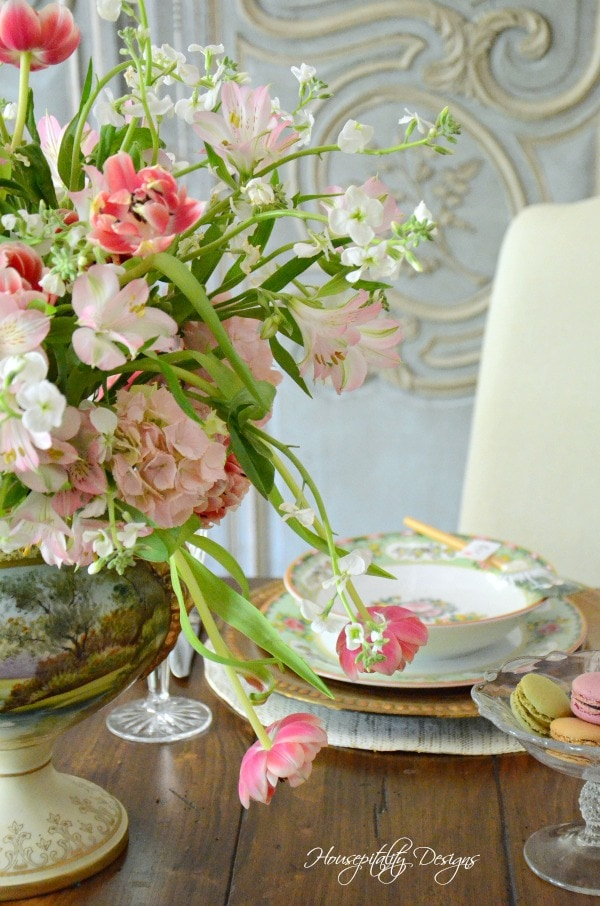 Mothers-Day-Tablescape-Housepitality-Designs