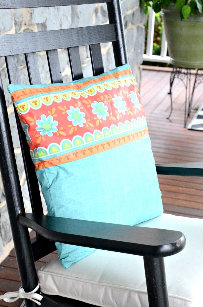 OUTDOOR PILLOW DIY- BLOG