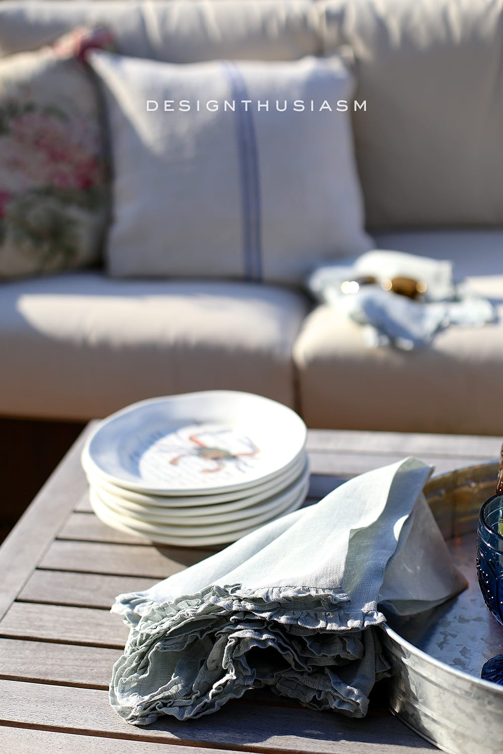 outdoor rooms crab plates and summer patio decor