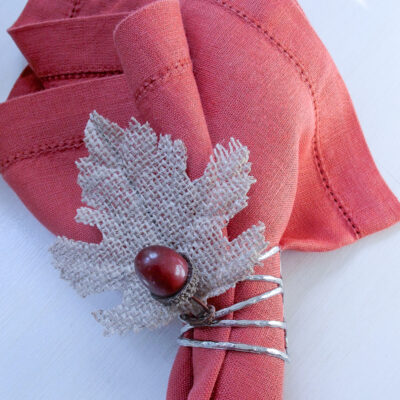 Super Easy DIY Napkin Rings: Acorn + Leaf Thanksgiving Napkin Rings