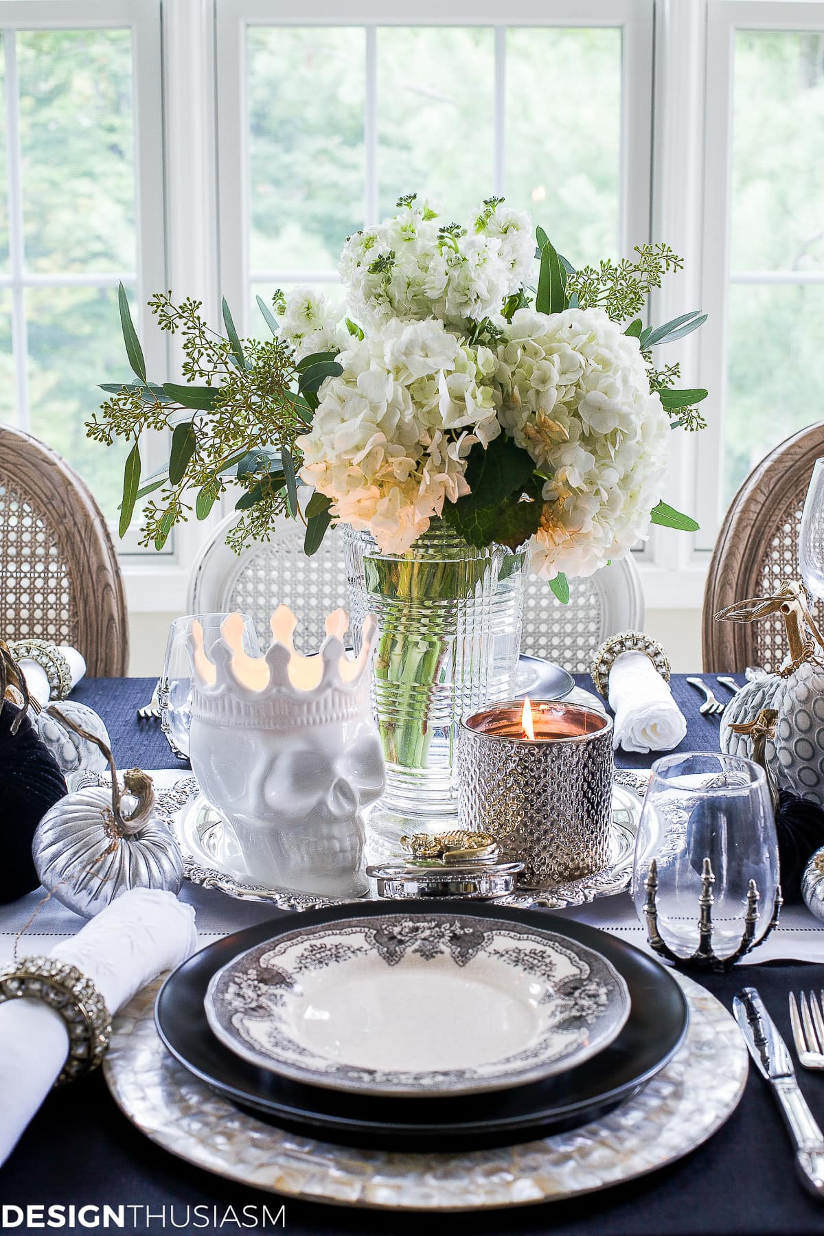 Halloween decoration ideas in an elegant tablescape
