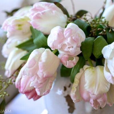 flower arrangement ideas with parrot tulips