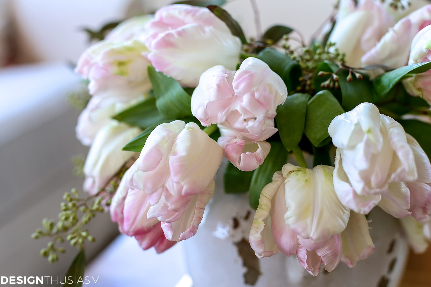 flower arrangement ideas with parrot tulips