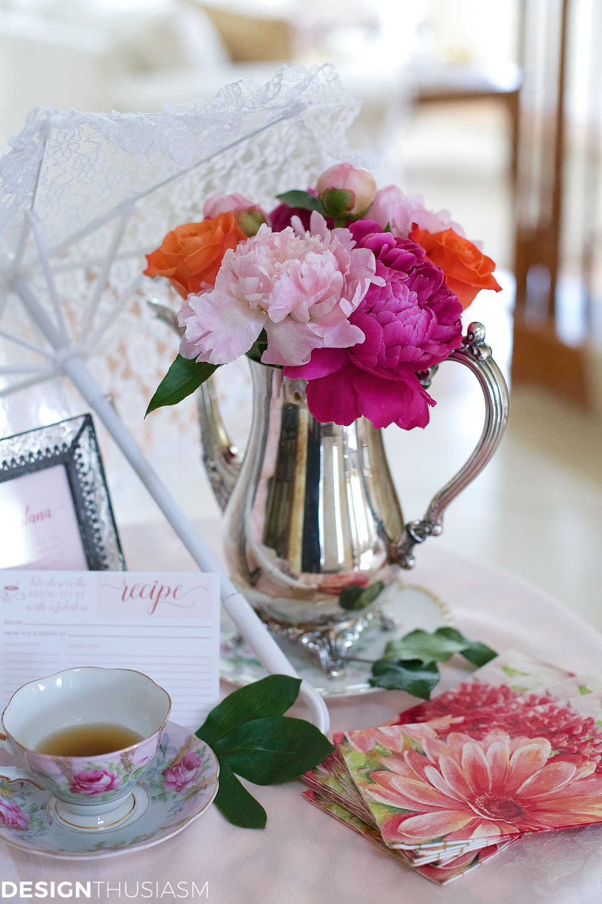 flower arrangements for a bridal shower