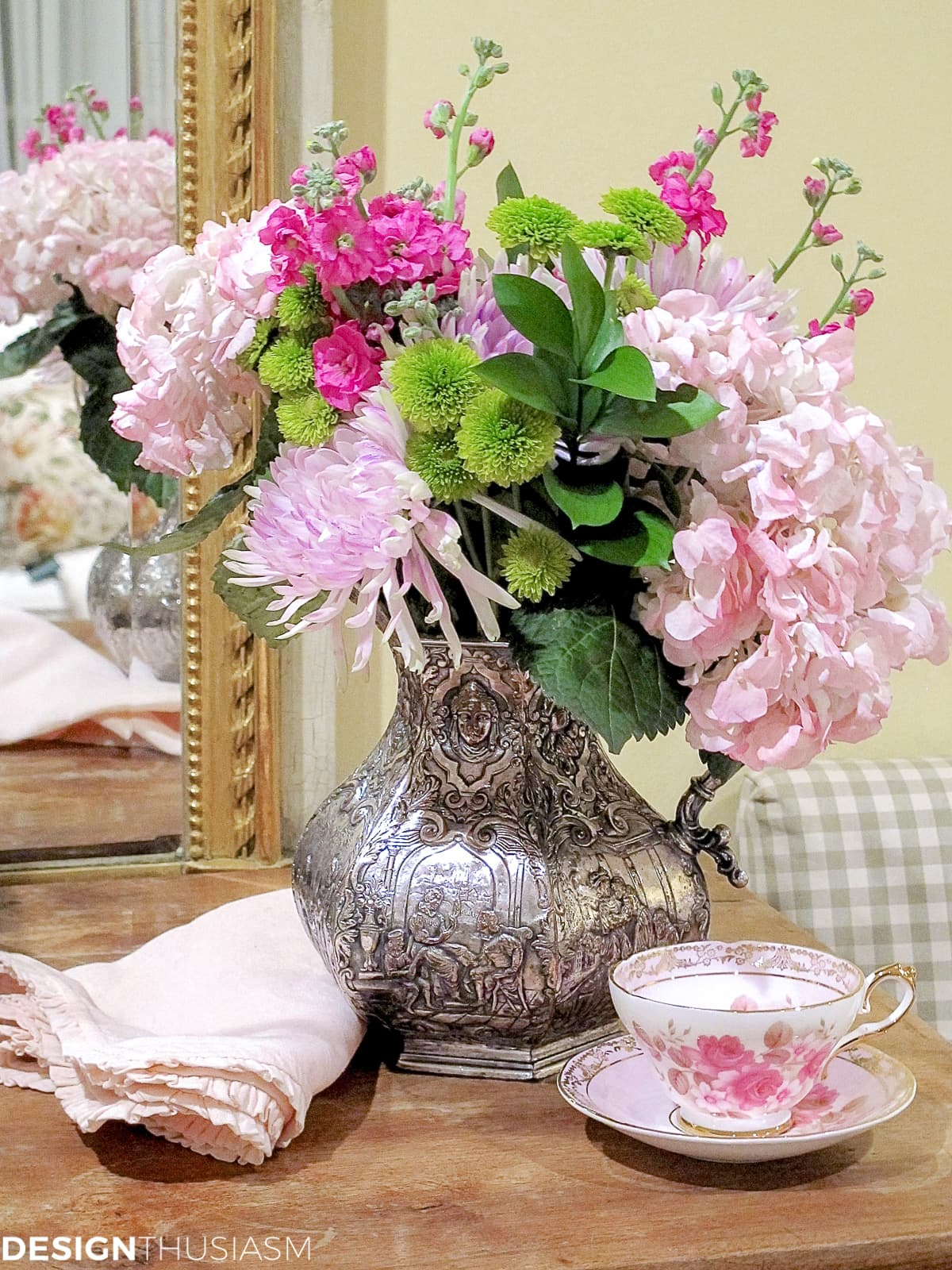 flower arrangement ideas with pink flowers