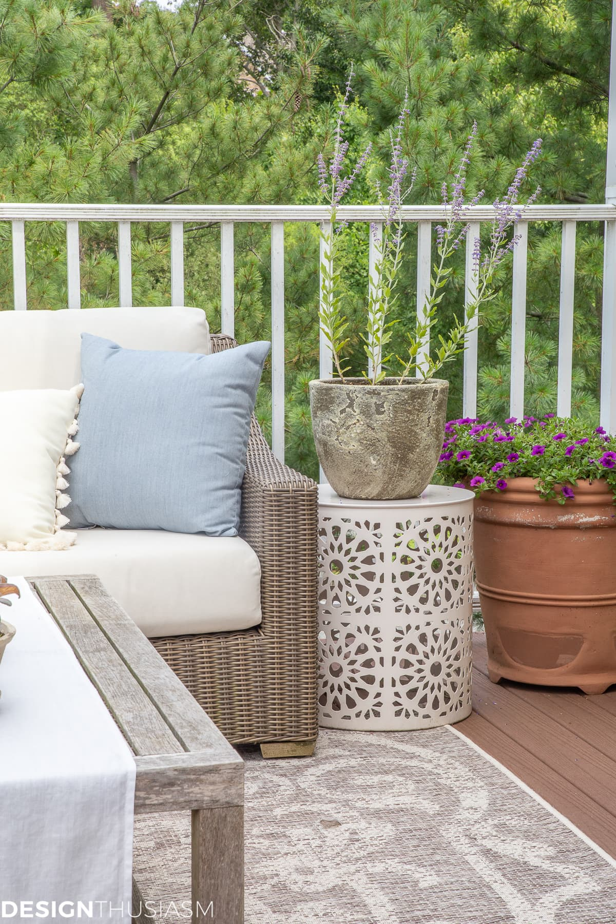 outdoor decor planters and pillows