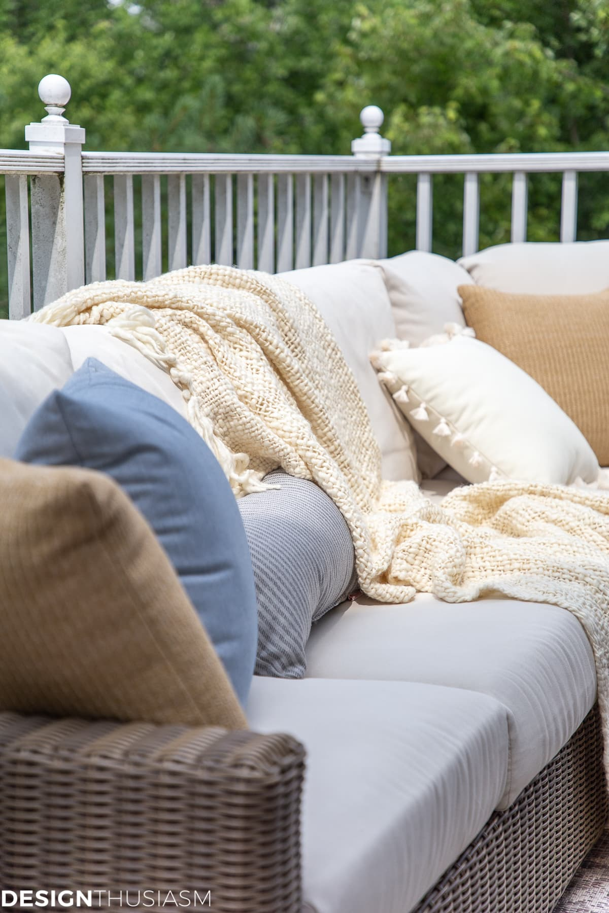 patio accessories and outdoor pillows