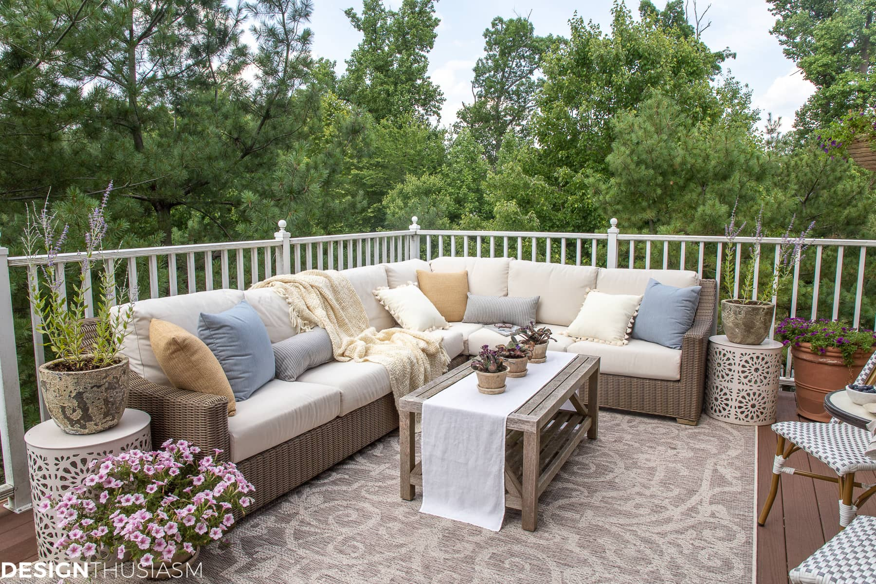 patio ideas for outdoor decor with patio accessories