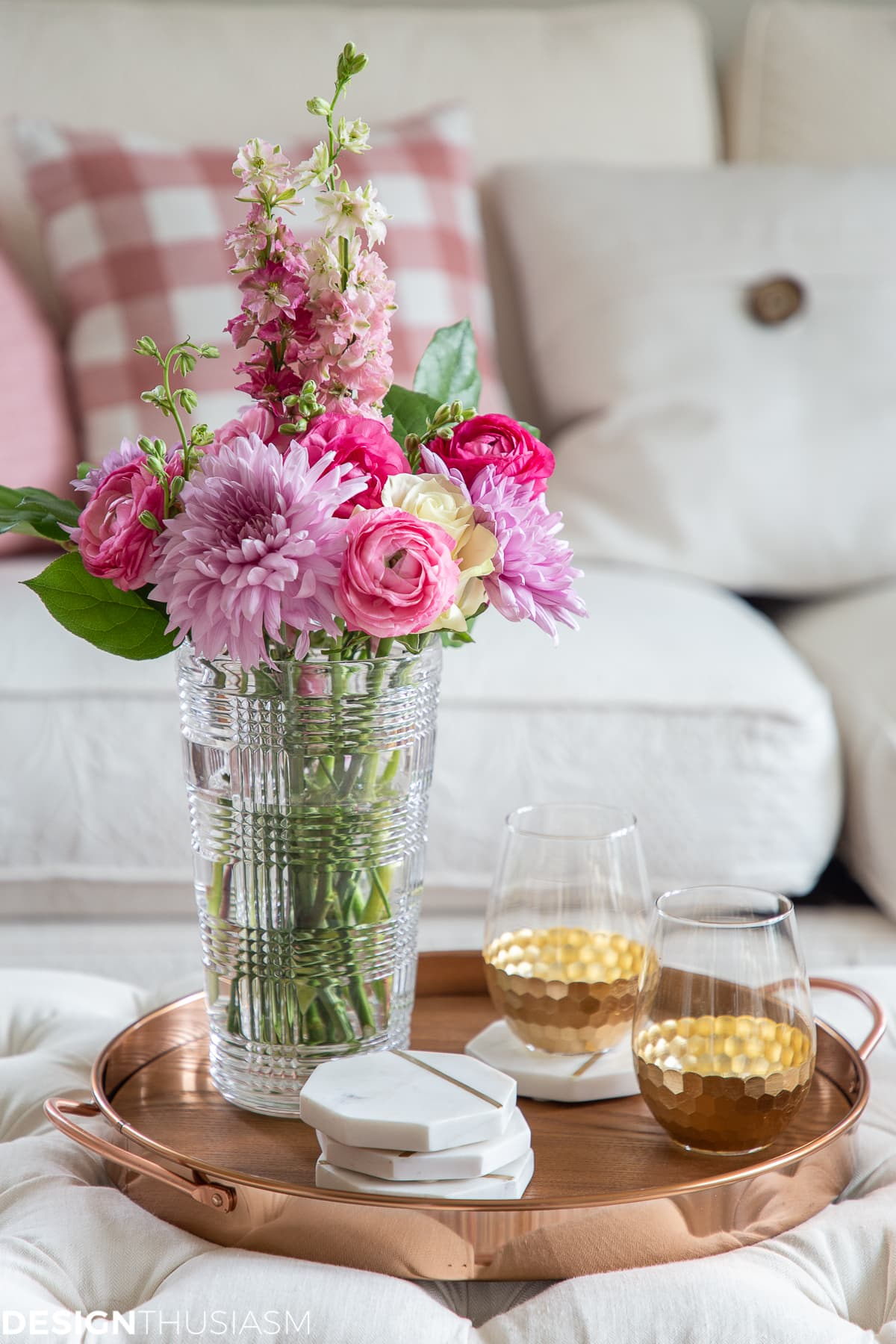 pink room decor with flowers for glam decor home style