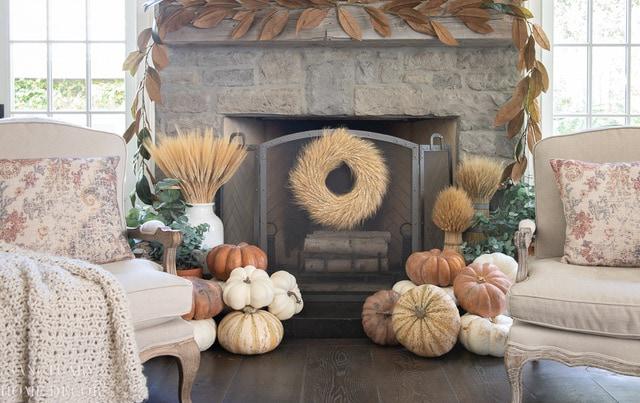 Fall-Fireplace-Decorating-Ideas