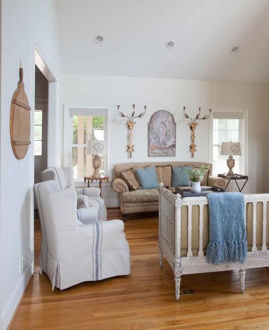 french-living-room-mountai