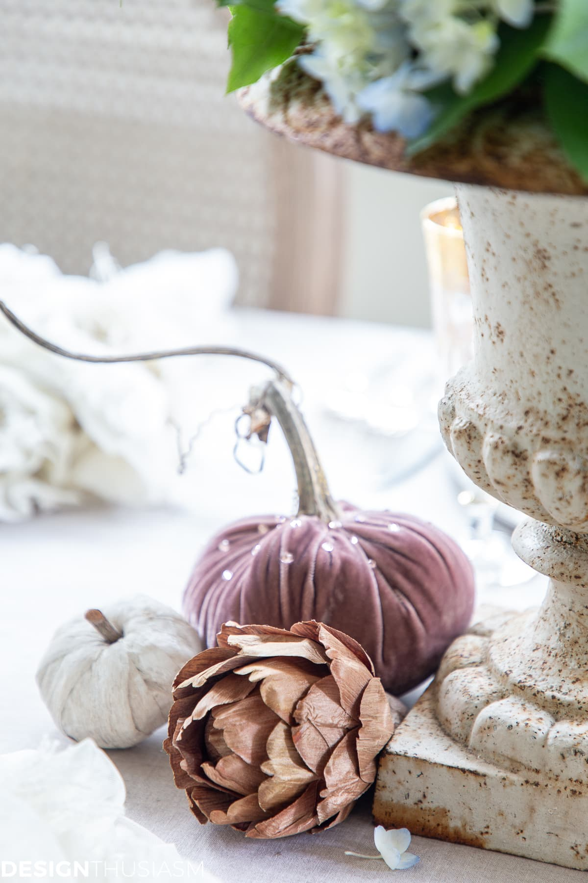 soft fall table decor pumpkins