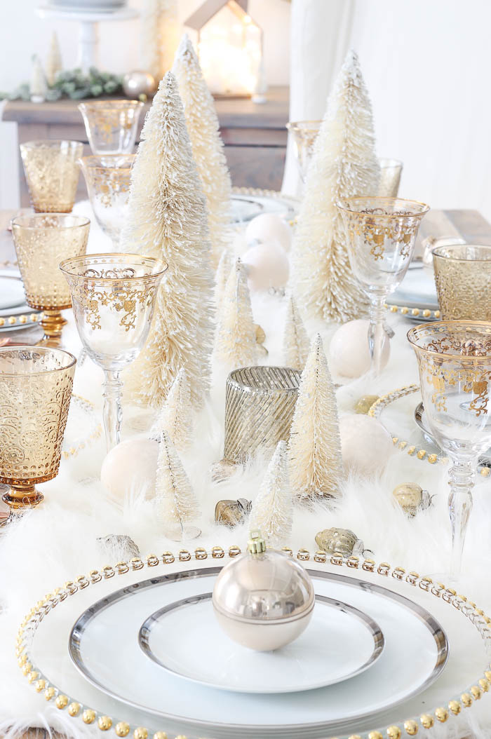 Christmas-Wonderland-Tablescape-Rooms for Rent