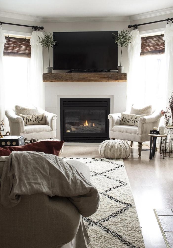 EEW Shannon HML Shiplap Fireplace