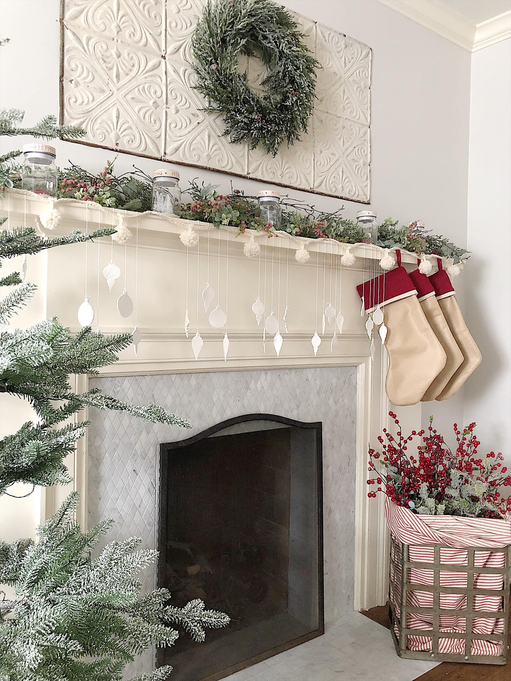 100yr christmas-mantle-decor
