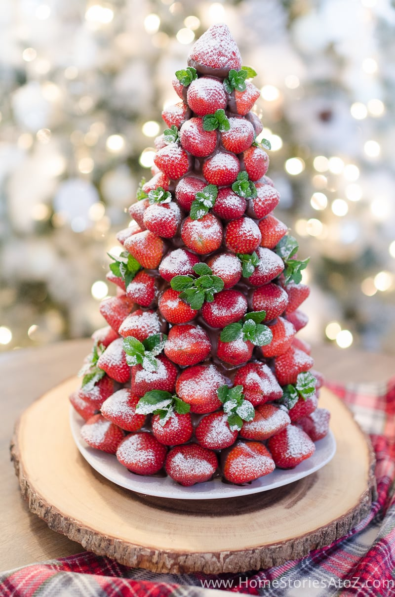 AtZChristmas Desserts- Chocolate Covered Strawberry Christmas Tree